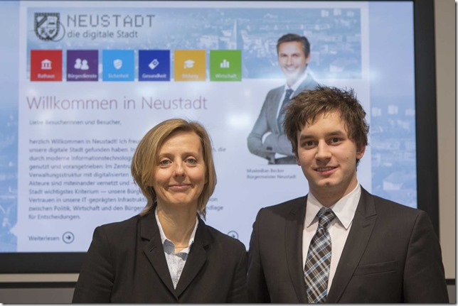 Marianne Janik stellt neue Windows 8 App Neustadt Digital vor